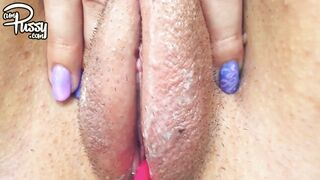 VERY WET PUSSY RUBBING & SPREADING close-up at home